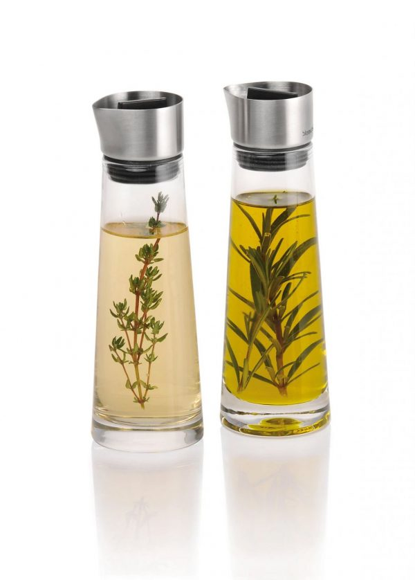 Alinjo Oil and Vinegar Set filled with oil and herbs
