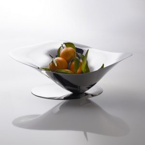 Bugatti Petalo fruit bowl with fruit