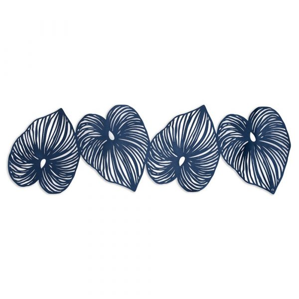 Table Runner consisting of 4 blue leaves