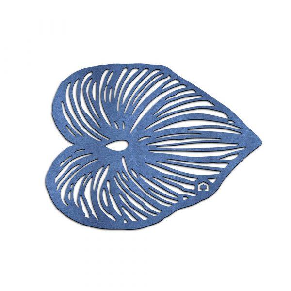 Trivet shaped like a leaf in blue